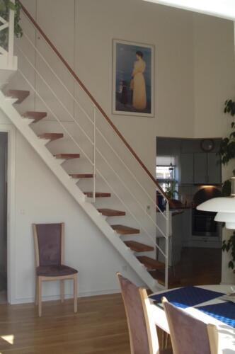 Indedørs-trappe-Medium